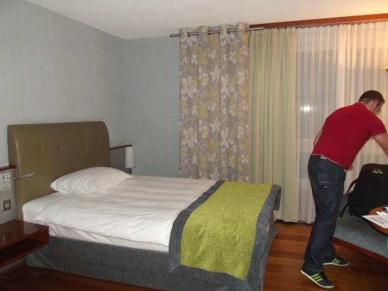 Movenpick Hotel Zurich-Airport: our room
