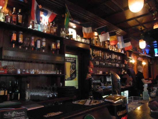 Molly Darcys Original Irish Pub : Molly Darcys