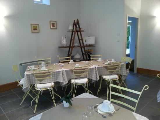 Hotel L'Oree des Vignes : Salles des Petits déjeuners