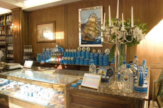 Caviar Petrossian Rive Gauche