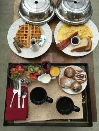 The Sayre Mansion Inn: breakfast was delicious!