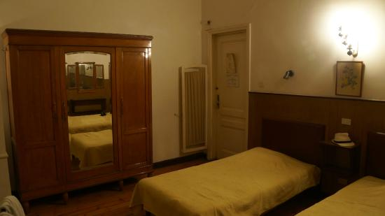 Pension Roma: room for 125 egp with shower