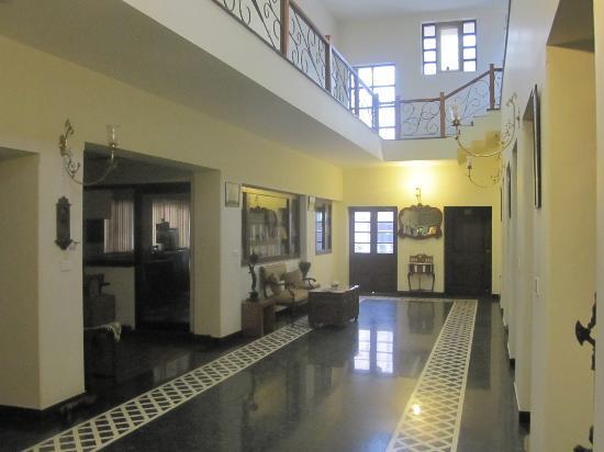 Awtar Mansion - Homestay: Foyer area