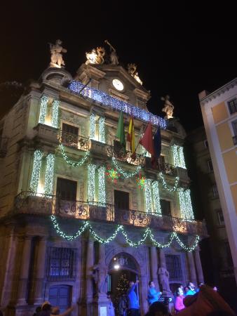 Hotel Bed4u Pamplona: Ayuntamiento en NAVIDAD