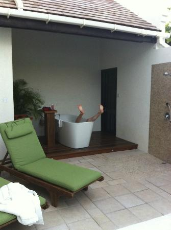 Calabash Luxury Boutique Hotel & Spa: lose yourself in the outdoor bathing facilities