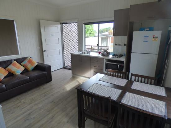 Kurrimine Beach Holiday Park: Looking from the Hallway to the Front Door.
