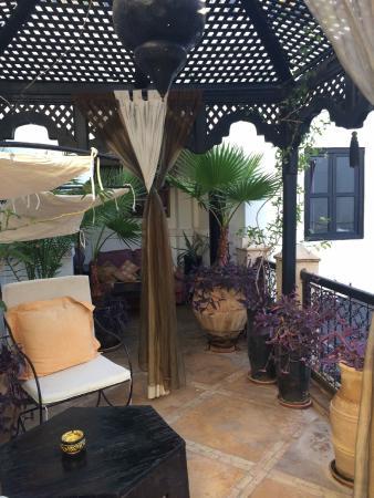 Dar el Souk: area outside our bedroom