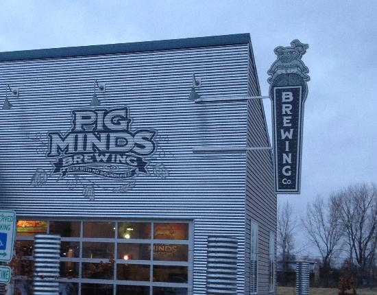 Machesney Park, IL: Pig Minds Brewing
