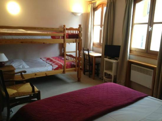 Hotel La boule de neige : Chambre quadruple