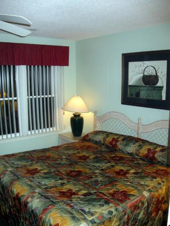The Cottages by Spinnaker: Main Bedroom