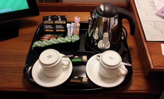Bridgewood Manor - QHotels: Nicely presented tea and coffee making equipment