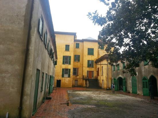 Back area slave quarters stable picture of aiken for Aiken house