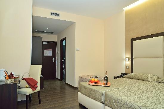 Infinity Hotel St. Peter: Guestroom