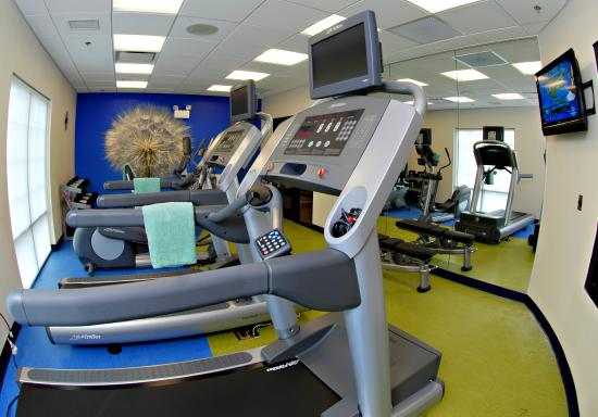 SpringHill Suites Quakertown: 24 Hour Fitness Center