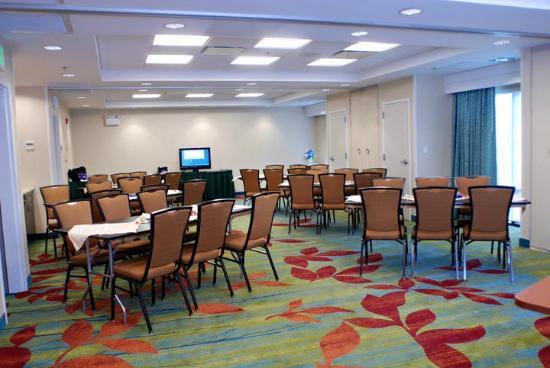 SpringHill Suites Quakertown: Spacious Meeting Room-Hospitality Suite