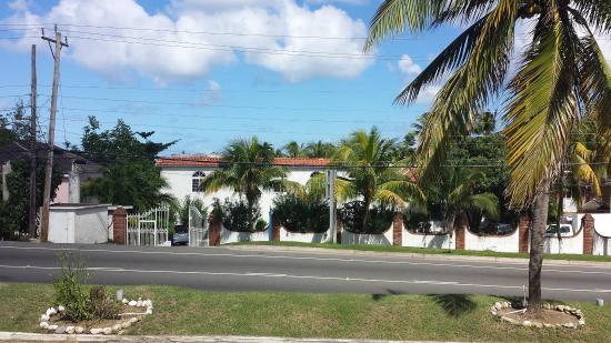 Chrisanns Beach Resort: Chrisanns Resort