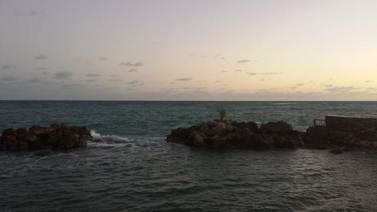 Chrisanns Beach Resort: Chrisanns Sunrise View