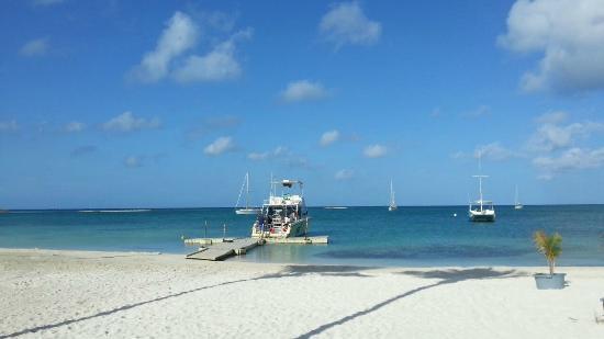 Diver Factory Aruba: Barco utilizado pela Diver Factory