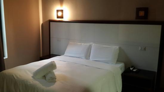 Oasi Village Hotel & Resort: Comfortable bed