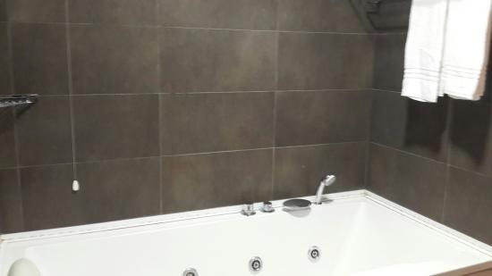 Oasi Village Hotel & Resort: Lovely spar bath