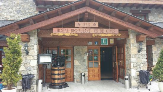 Hotel Os de Civis: Entrada al Hotel-Restaurante