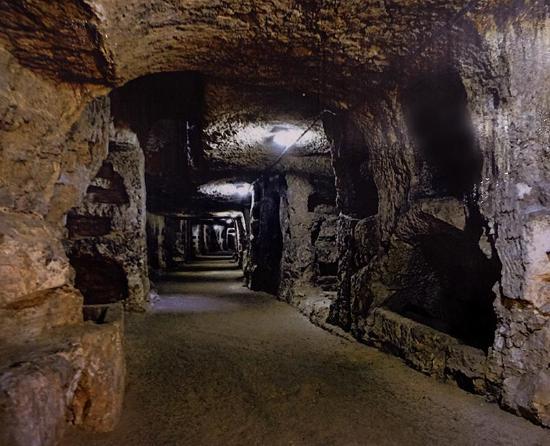 Chiesa di San Giovanni alle Catacombe: Huvudgalleriet