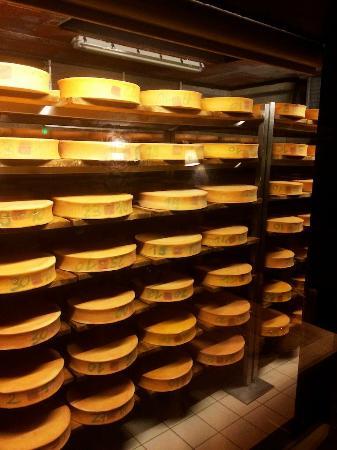 La Ferme de la Frutiere: Cheese in Production