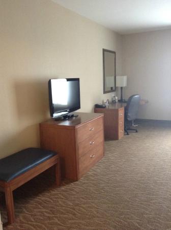 Sandman Hotel & Suites Squamish: Sandman Squamish hotel suite June 2014