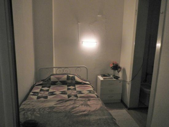 Alojamento Local Santo Tirso: zona letto singolo nella camera tripla