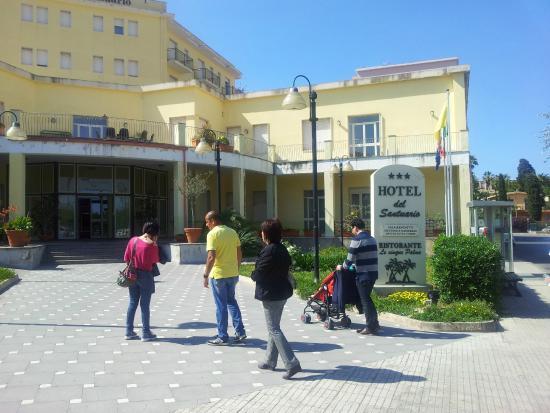 L 39 ingresso foto di hotel del santuario siracusa for Hotel del santuario siracusa