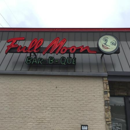 Photo of American Restaurant Full Moon Bar-B-Que at 4635 Highway 280, Birmingham, AL 35242, United States