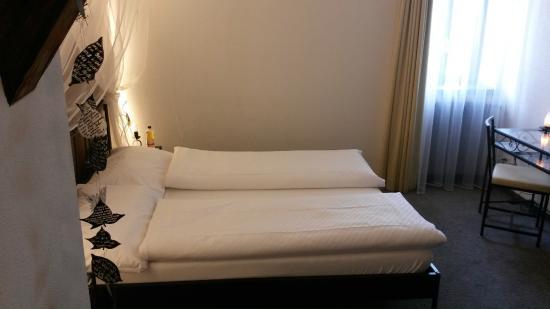 Herberge Teufenthal: Das Bett