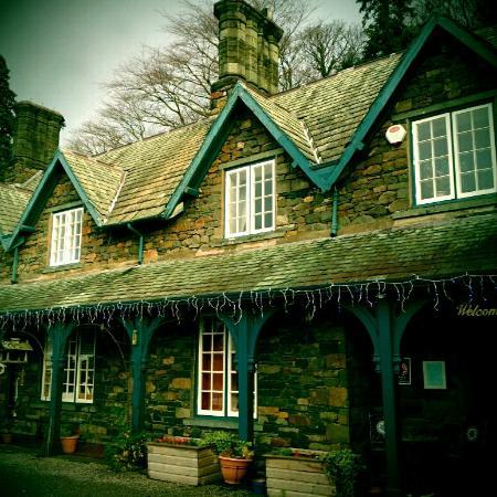 Ravenstone Manor: Stone fronted