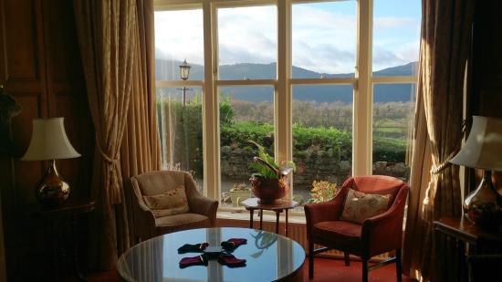 Ravenstone Manor: Comfy Lounge