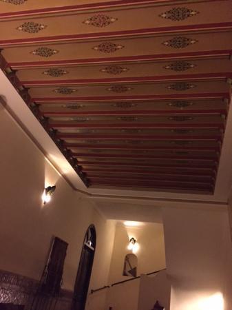 Riad Bamaga Hotel : 2nd floor lounge area