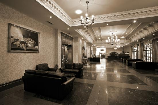 Royal Court Hotel - Coventry: Reception/Foyer