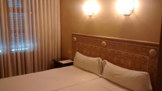 Hotel Princesa Galiana : Cabeceira