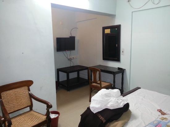Soorya Beach Resort : the room