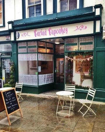 Cariad Cupcakes: our little shop