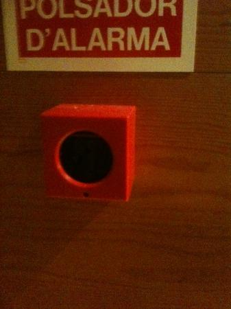 Euroski Mountain Resort: empty fire alarm call point