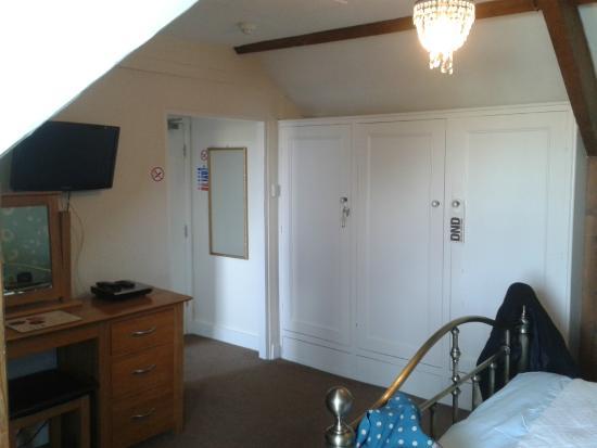 Epchris House: Bedroom