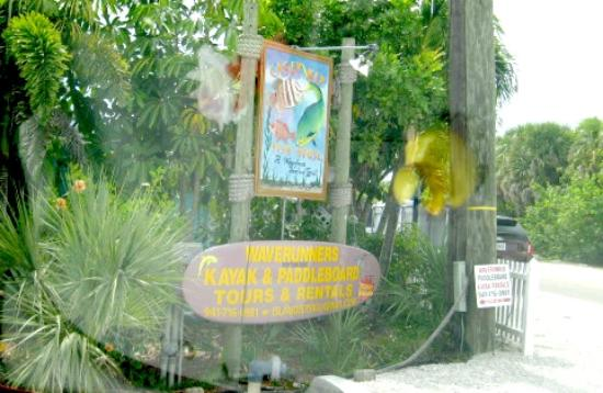 Casey key fish house restaurant tiki bar sign picture for Casey key fish house