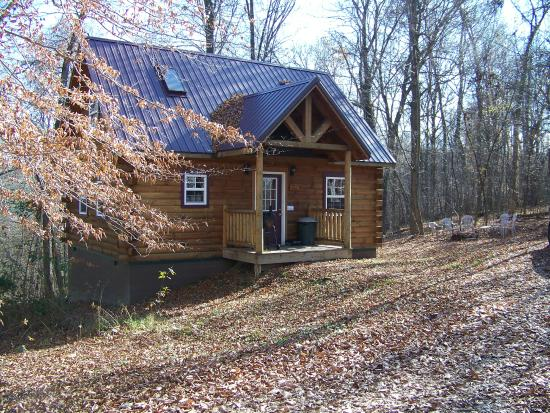 Ash Ridge Cabins: The lovers loft