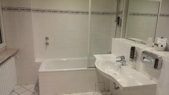 National Hotel - Frankfurt : Ванная