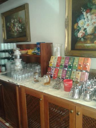 Taushof Hotel: Sala buffet, coffee break pomeridiano, aperitivi