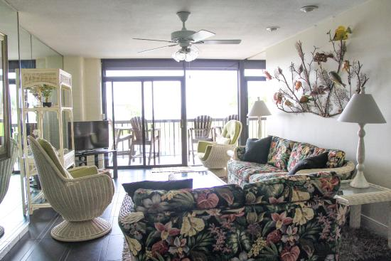 Aransas Princess: living area (standing by the table)