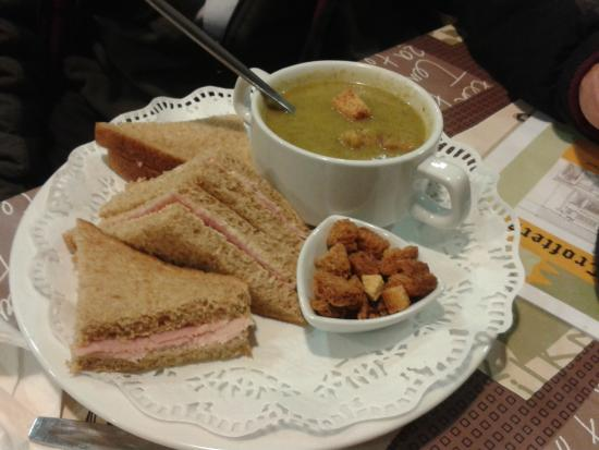 Crofters: Soup with croutons and ham sandwich #Yum!