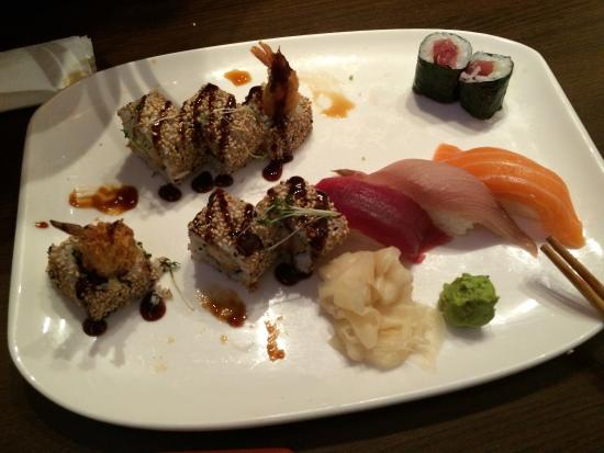 Kamon Sushi-Bar: The sushi was Really good but the staff could be more friendly. The price was ok.