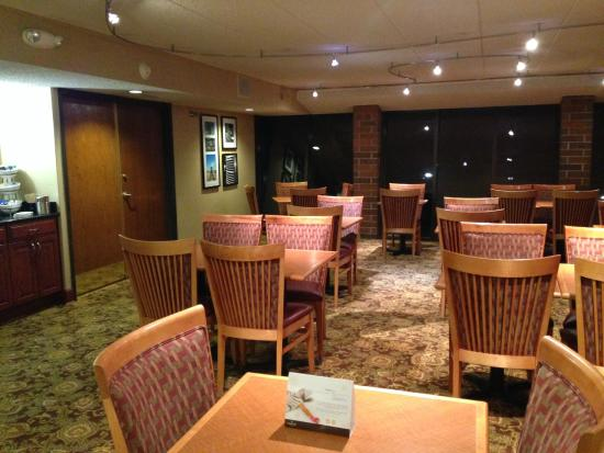 Country Inn & Suites By Carlson, Lincoln Airport: Breakfast room