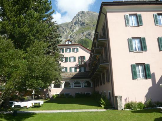Parkhotel Margna: Hotelgarten